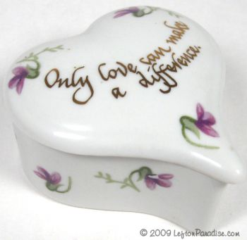 Heart-Shaped Box with Violets - 1019