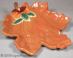 Maple Leaf-shaped Dish - Homespun Autumn