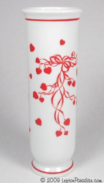 Bud Base with Hearts and Streamers - 2643