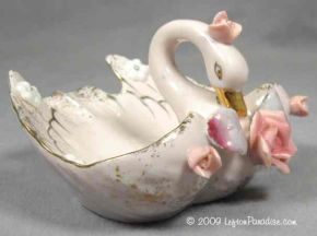 Pink Swan Ashtray, Roses - 139